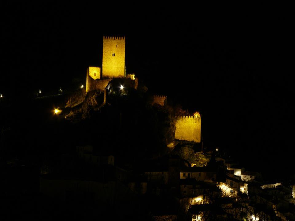 castillo de noche